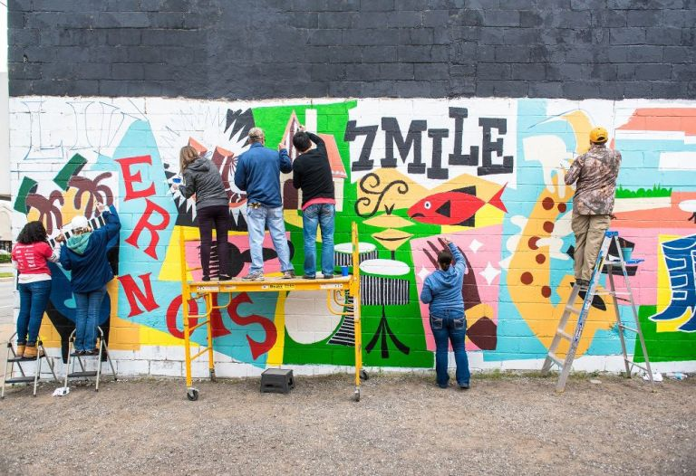 community-mural-painting